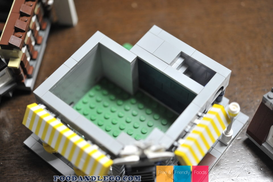 Free and Friendly Foods LEGO MOC Copy Scaled Cafe Corner