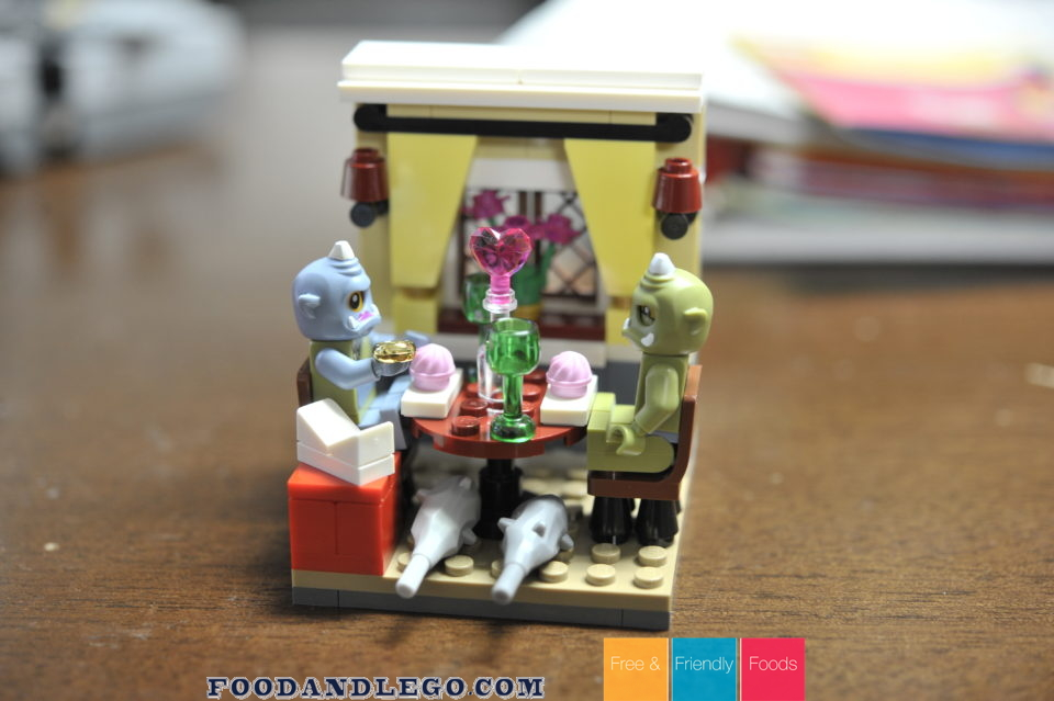 Free and Friendly Foods LEGO Valentine MOC