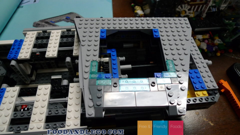 Free and Friendly Foods LEGO Review S.H.I.E.L.D. Helicarrier