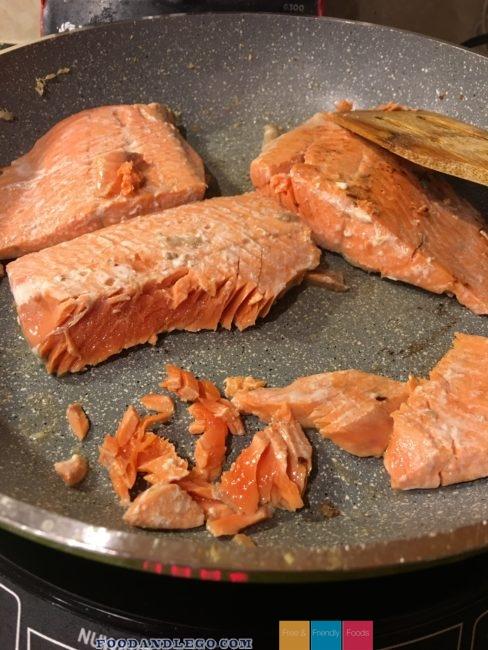 Free and Friendly Foods Salmon & Cauliflower Rice